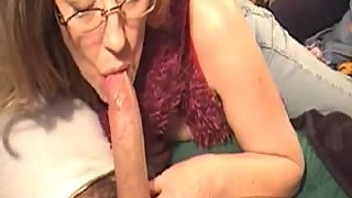 This Wife Gives the best Deepthroat and Swallow Service!
