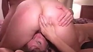 Girlfriend cums for a lesbian