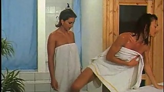 Lesbian massages and sex in the sauna for Venere Bianca