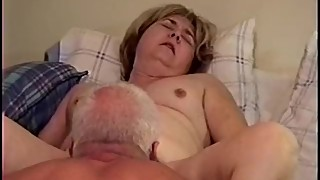 Amateur MILF Wife - Getting Her Pussy Eaten to Orgasm